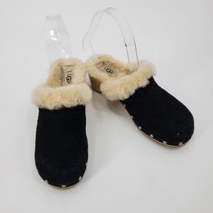 UGG kalie black shearling lined clogs
